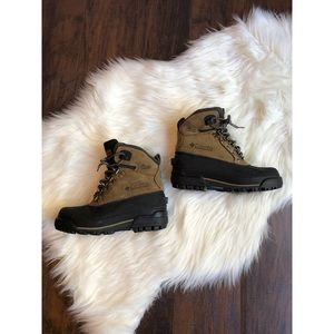 Columbia waterproof hiking boots